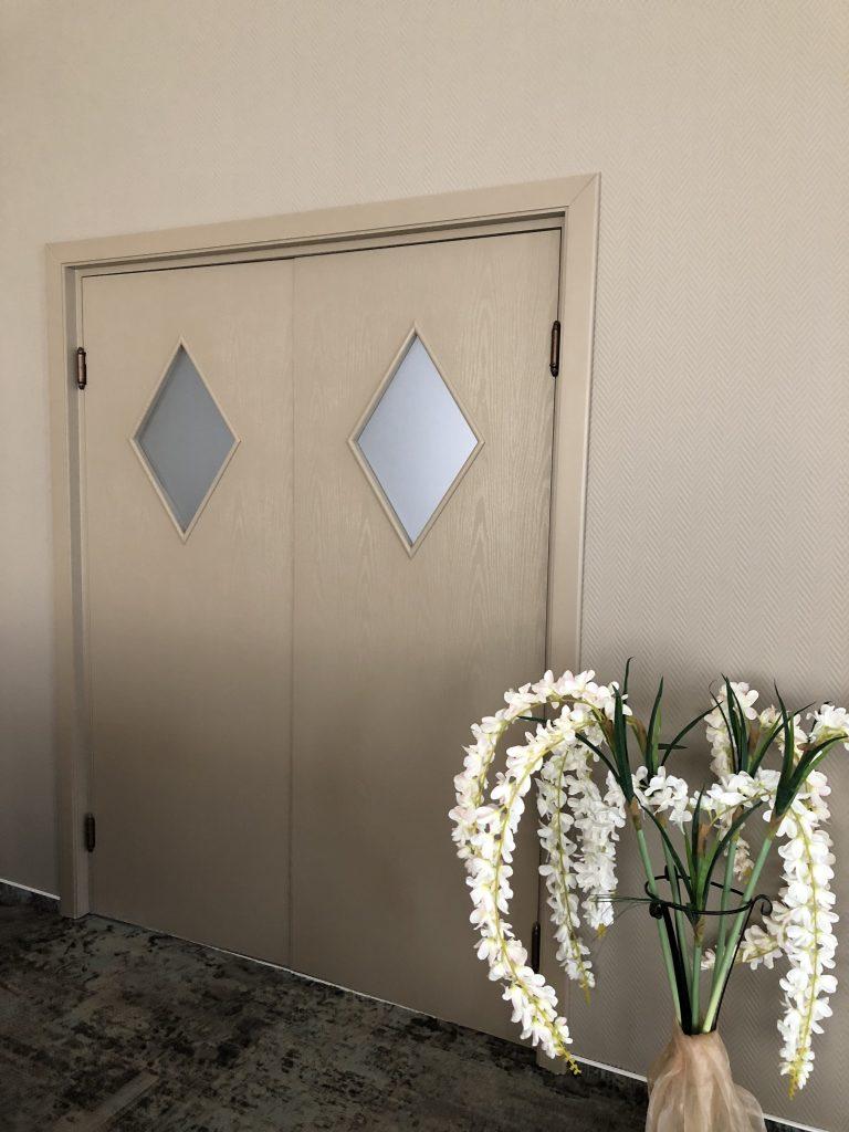 Usa dubla,balamale batante,pentru bucatarii restaurant,culoare 1019 mat